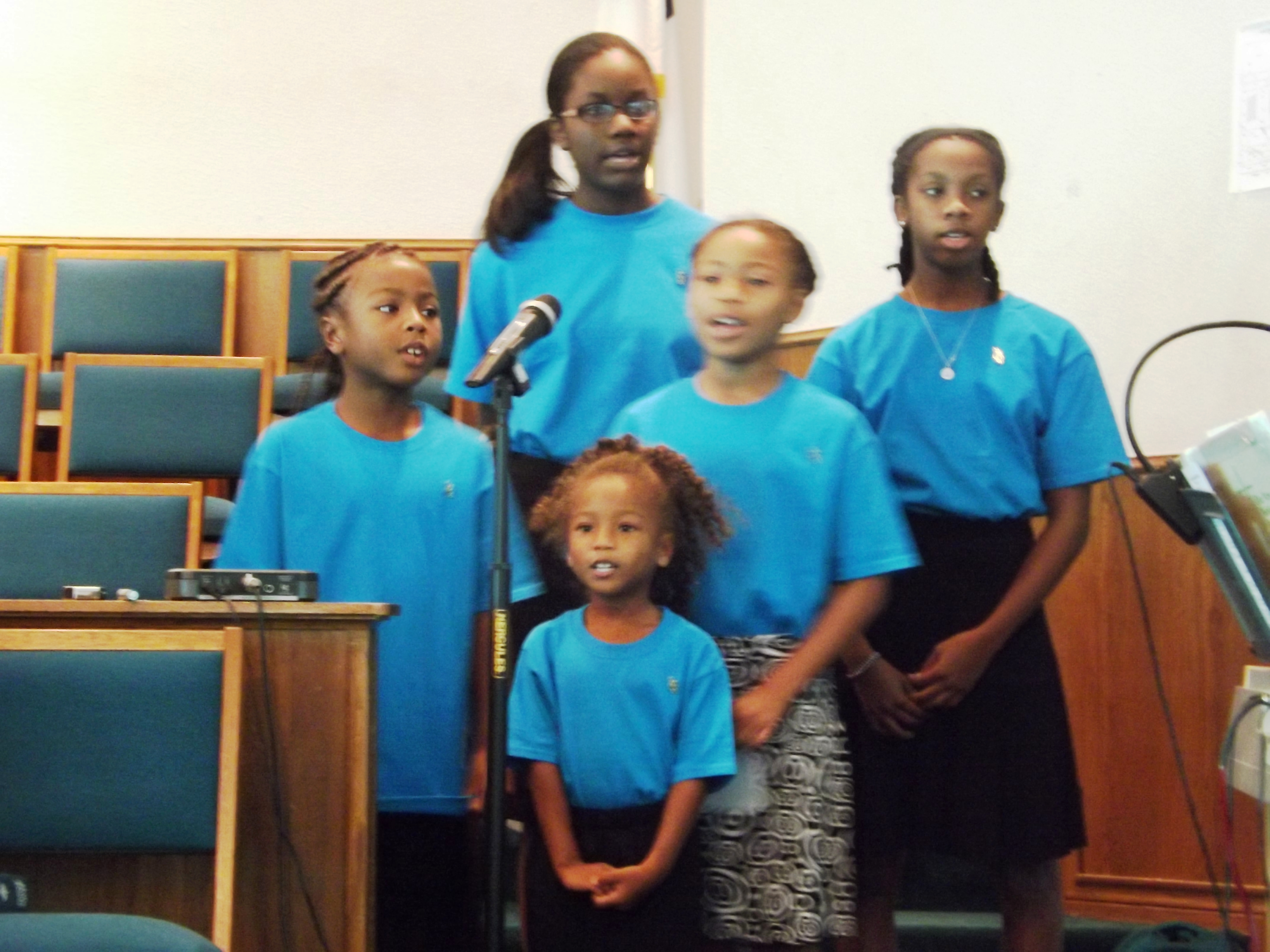 childrenchoir2015.jpg